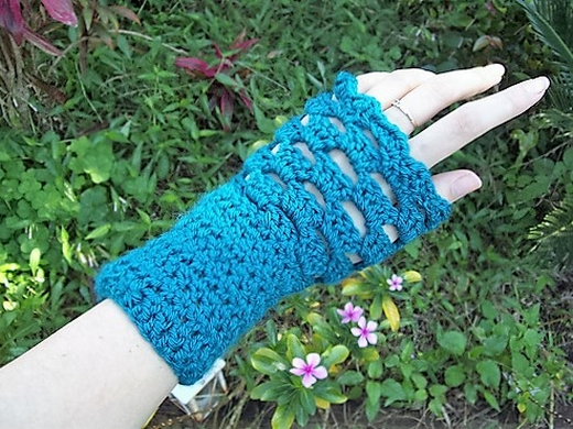 morgaine-fingerless-mittens
