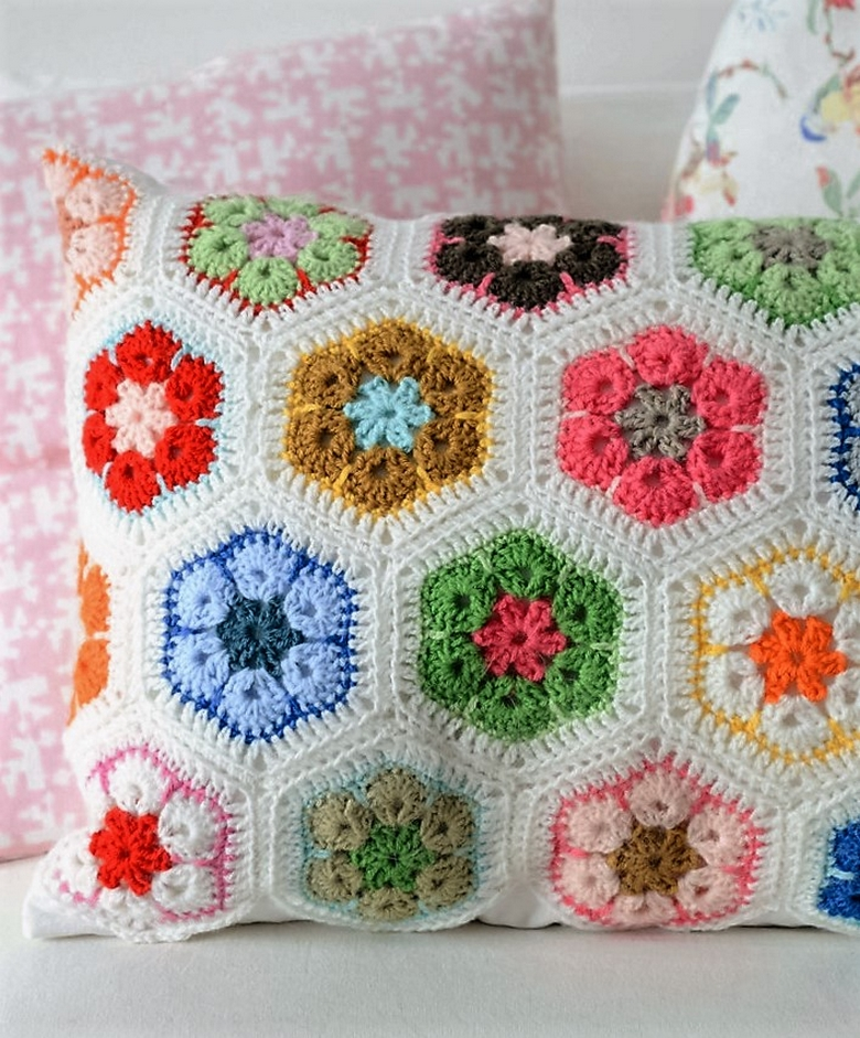 Easy to Make Free Crochet Cushion Patterns | 1001 Crochet