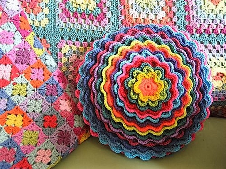 blooming-flower-cushion-ta-dah