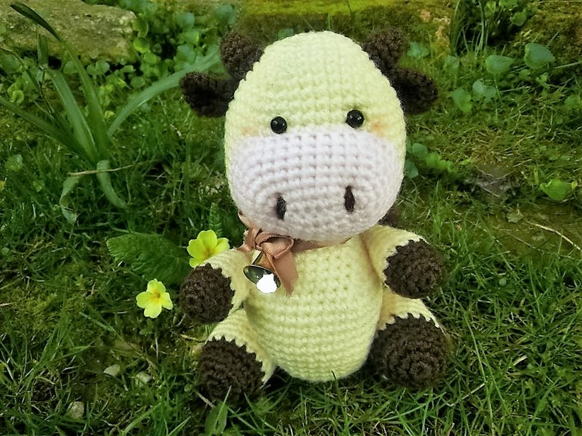 candy-cow-free-amigurumi-crochet-pattern