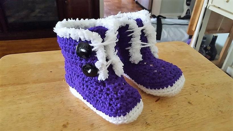 crochet-baby-booties-1