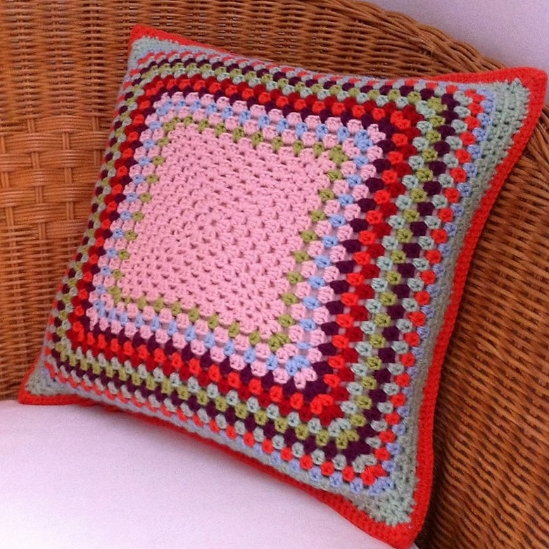 crochet-cushion-cover-free-pattern