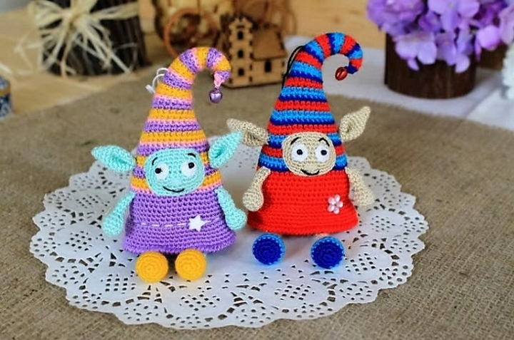 crochet-elf-doll-amigurumi-pattern