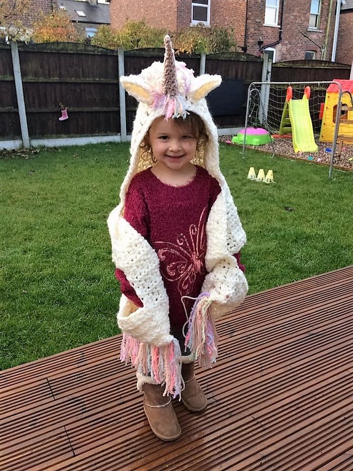 crochet-hooded-scarf