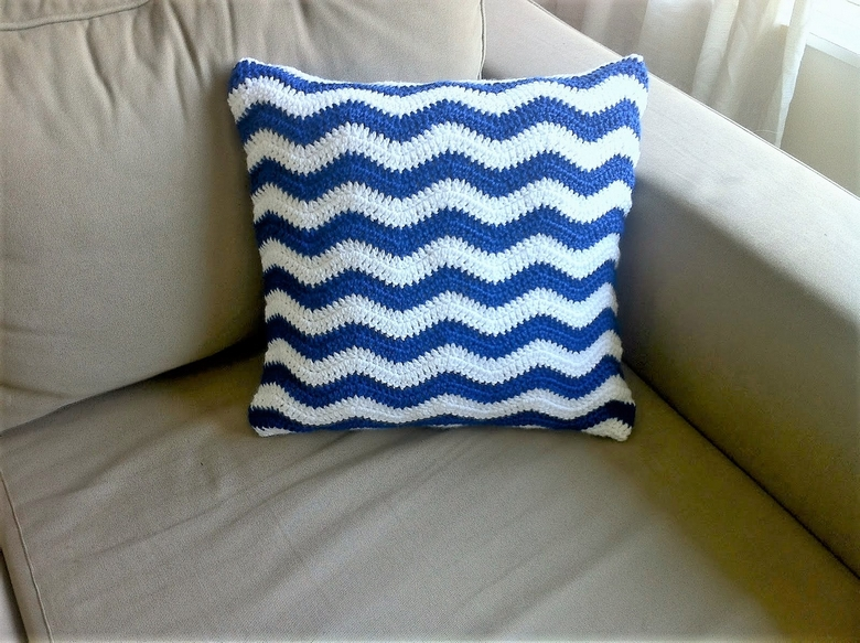 crochet-ripple-cushion-cover-free