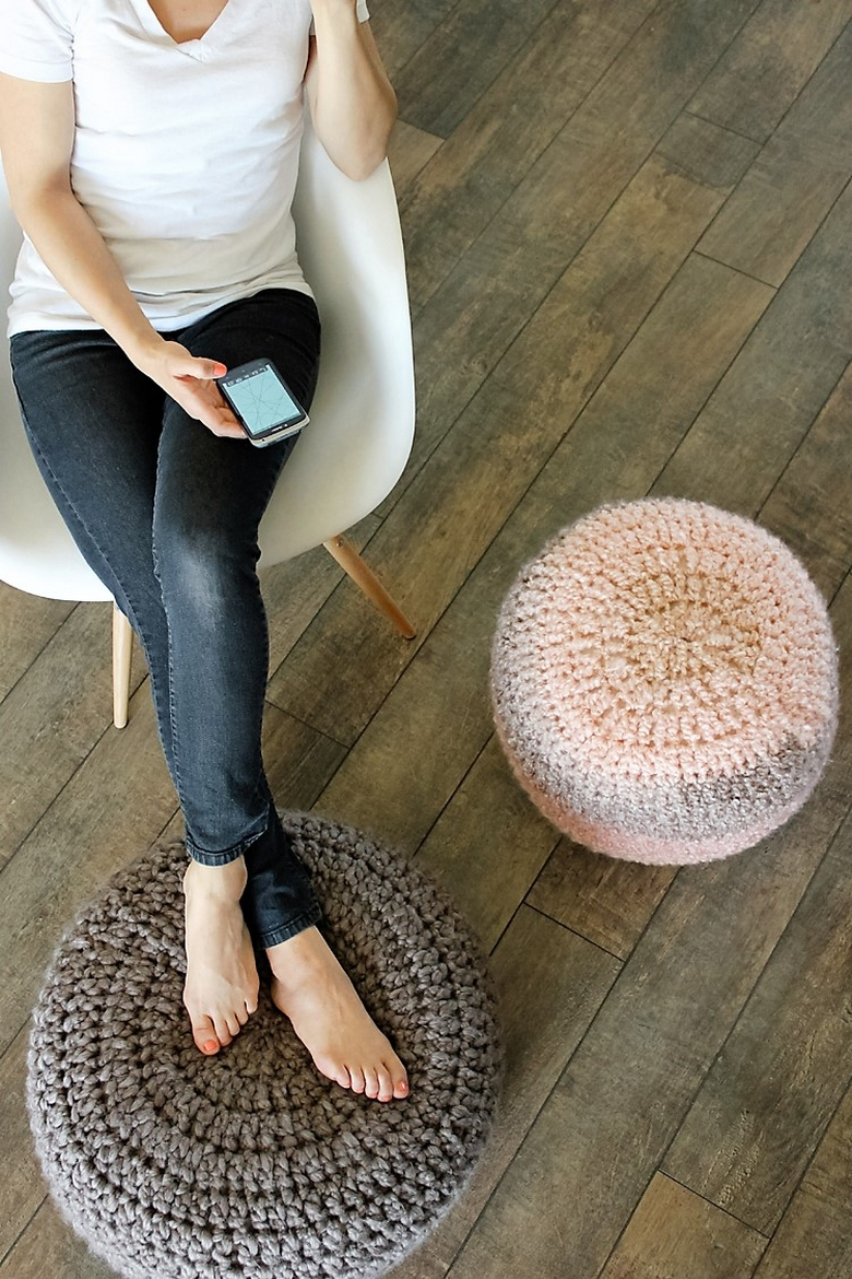 crocheted-cushions-free-pattern-tutorial
