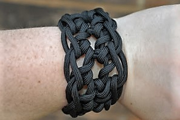 fathers-day-gift-idea-crochet-paracord