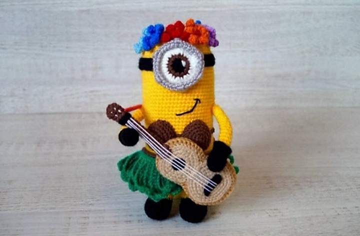 hawaiian-minion-crochet-amigurumi-pattern