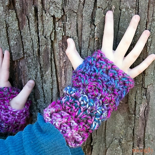 luscious-one-skein-fingerless-mitts