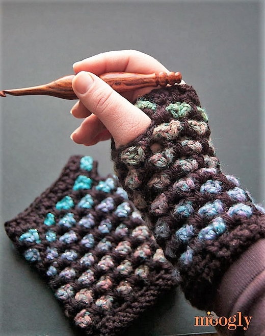 moroccan-midnight-fingerless-mitts