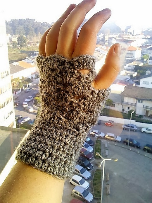 omg-its-almost-christmas-fingerless