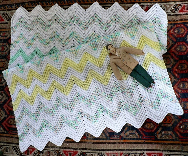 crochet-ripple-baby-blanket