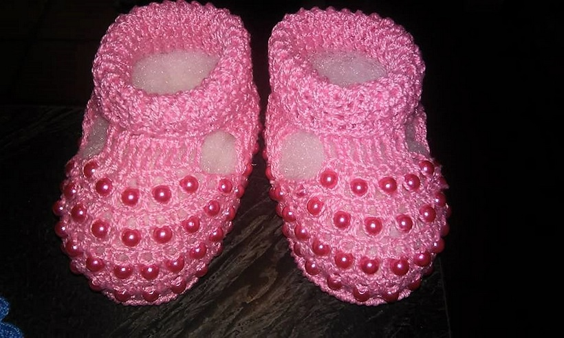 crocheted-baby-booties-10