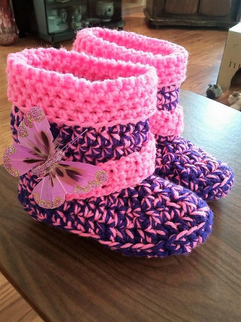 crocheted-baby-booties-16