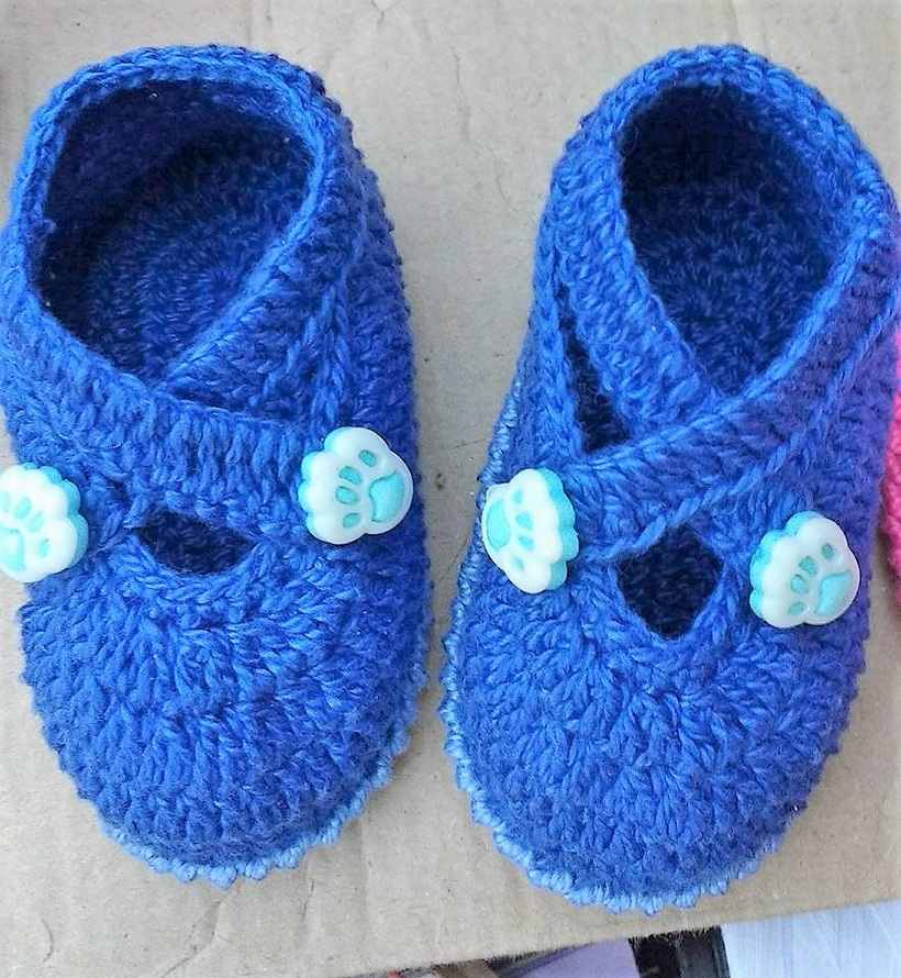 crocheted-baby-booties-8