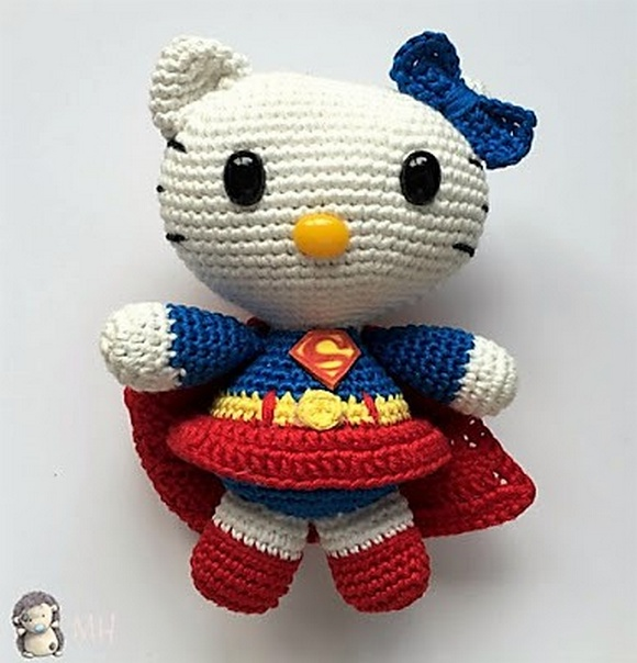 Amigurumi Hello Kitty Superwoman, Patrón Gratis