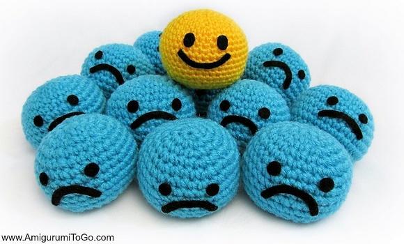 Blue-Smiley-Amigurumi-Pattern-Free