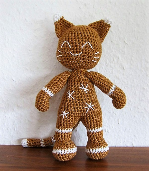 Ginger - The Gingerbread Cat pattern