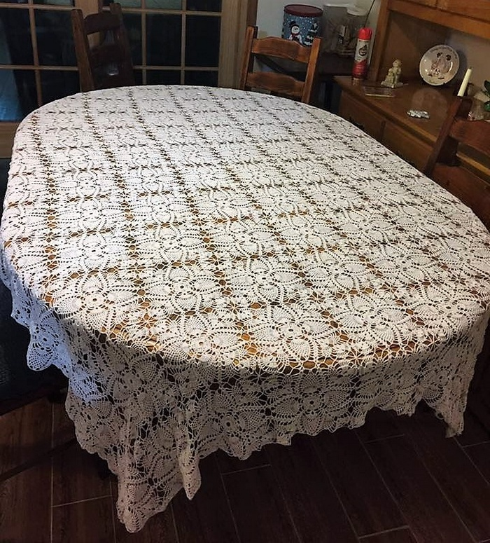 crochet table runner 10