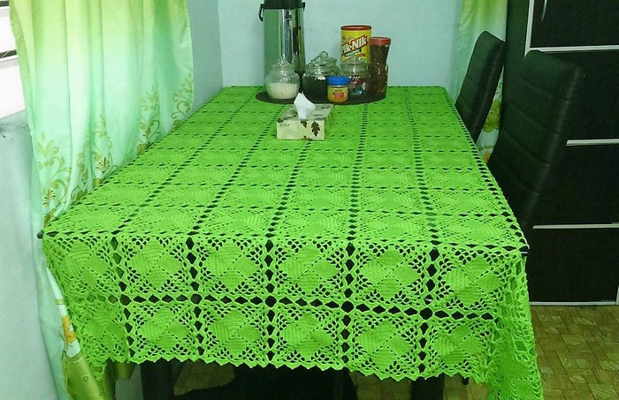 crochet table runner 12