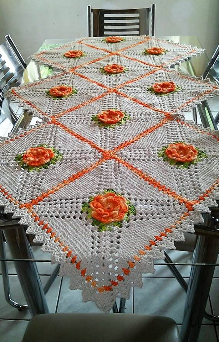 crochet table runner 13
