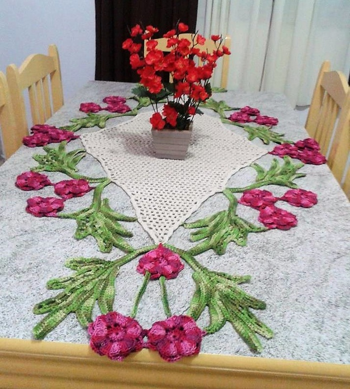 crochet table runner 2 - 1