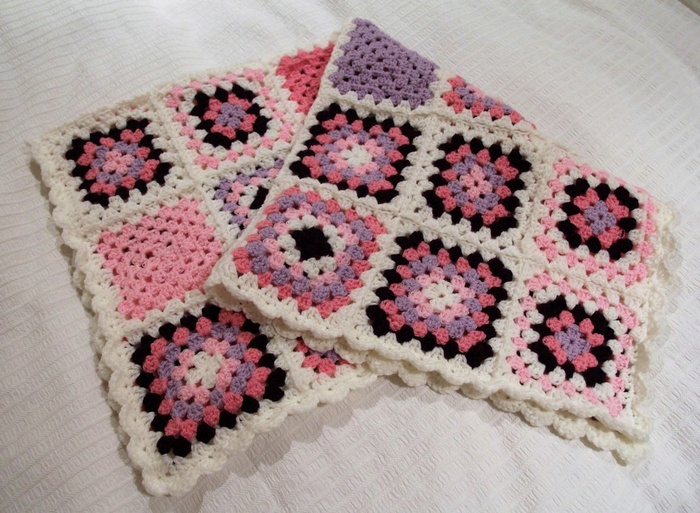 crocheted baby blanket 1