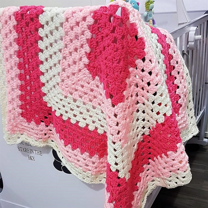 crocheted baby blanket 13