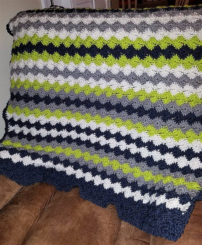 crocheted baby blanket 2