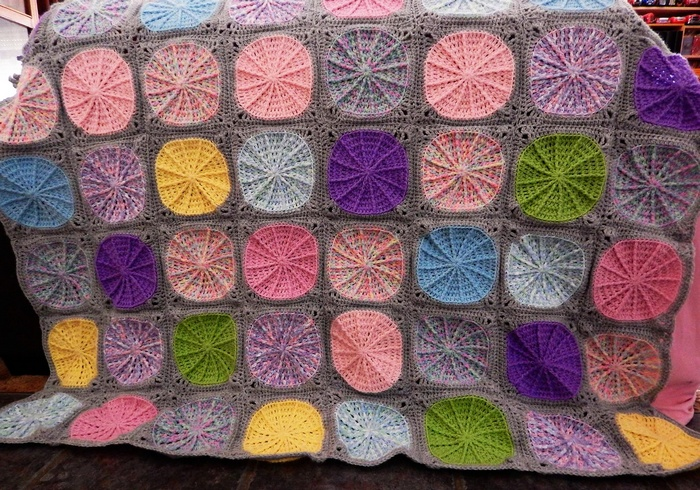 crocheted baby blanket 4