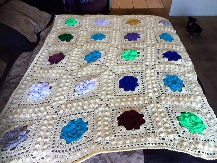 crocheted baby blanket 9