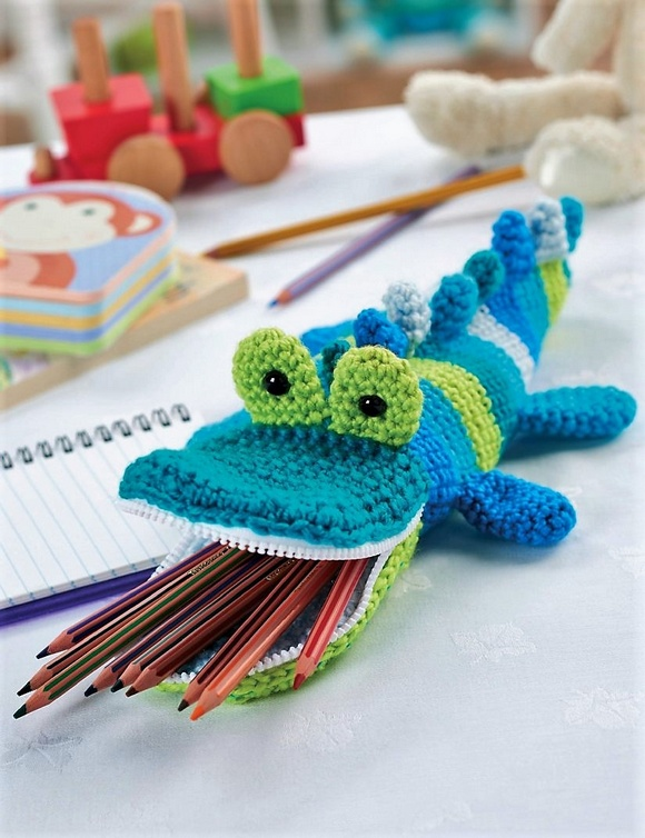 crocodile_pencil_case-crochet pattern