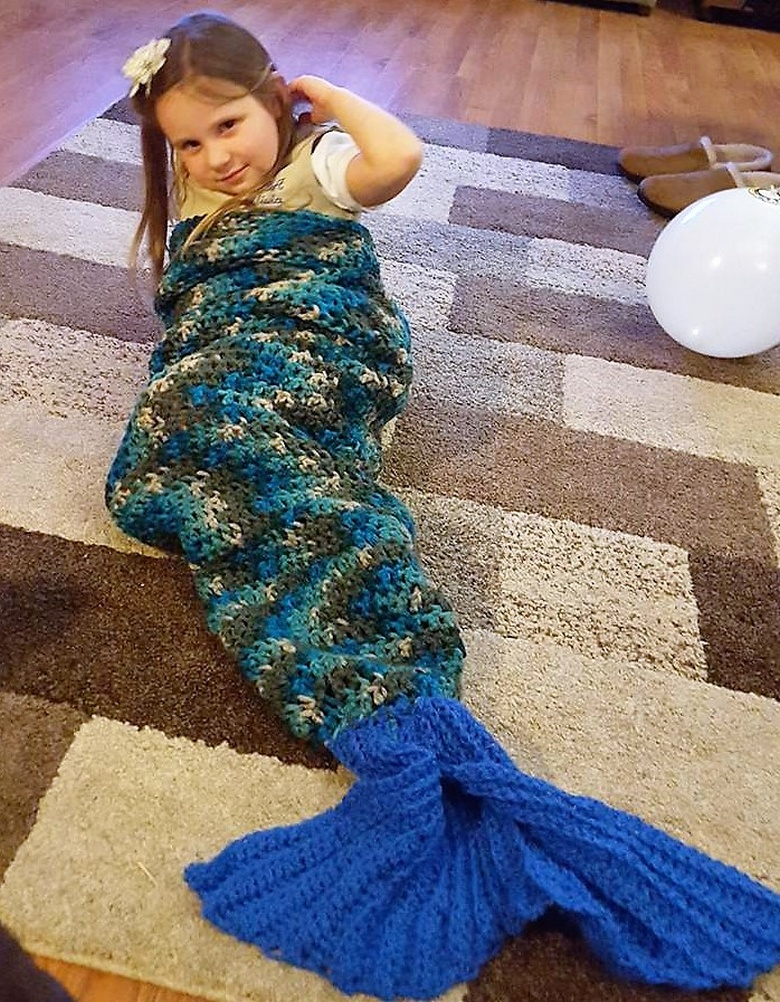 crochet mermaid tail 13