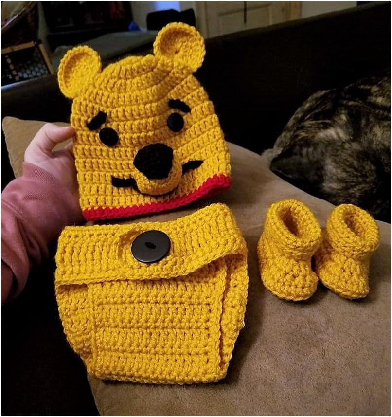 crocheted baby set 11