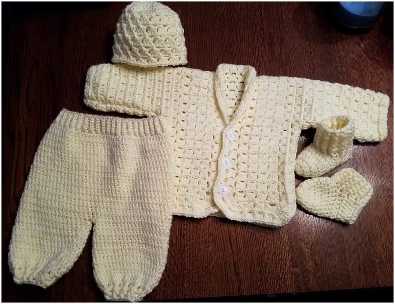 crocheted baby set 19