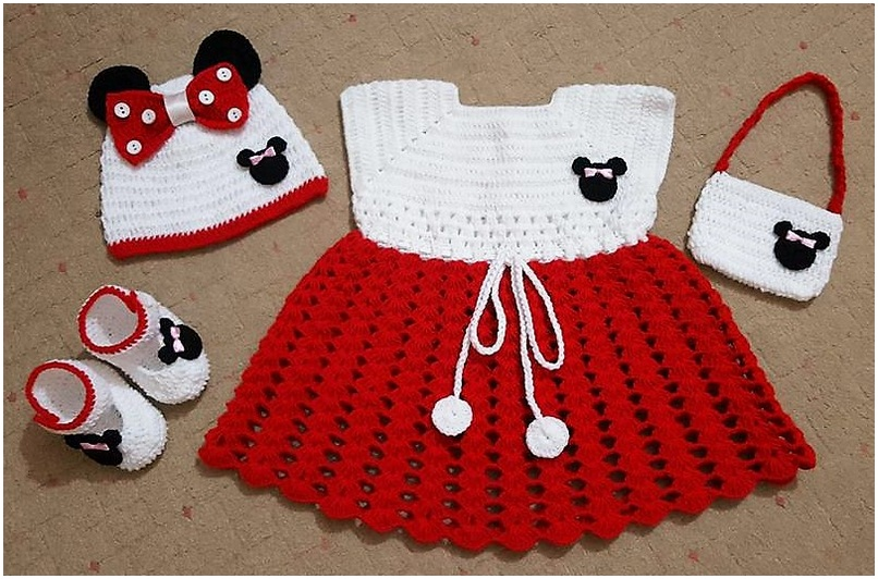 crocheted baby set 3