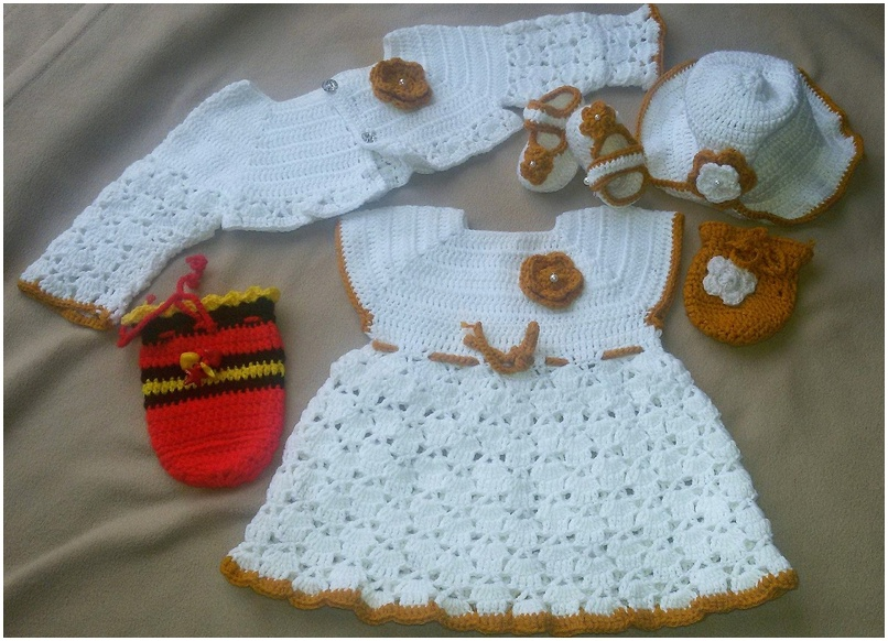 crocheted baby set 4